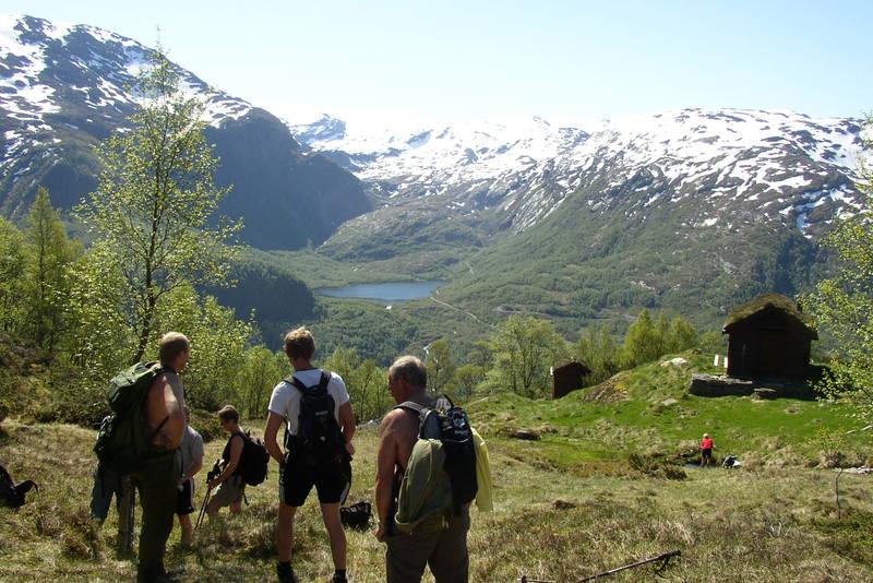 Knutstøl, utsikt mot Vassdalsvatnet og Folgefonna