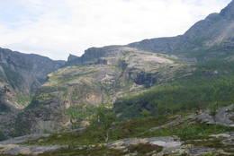 Hellemojuvet sett nedenfra - Foto: Sveinung Tubaas