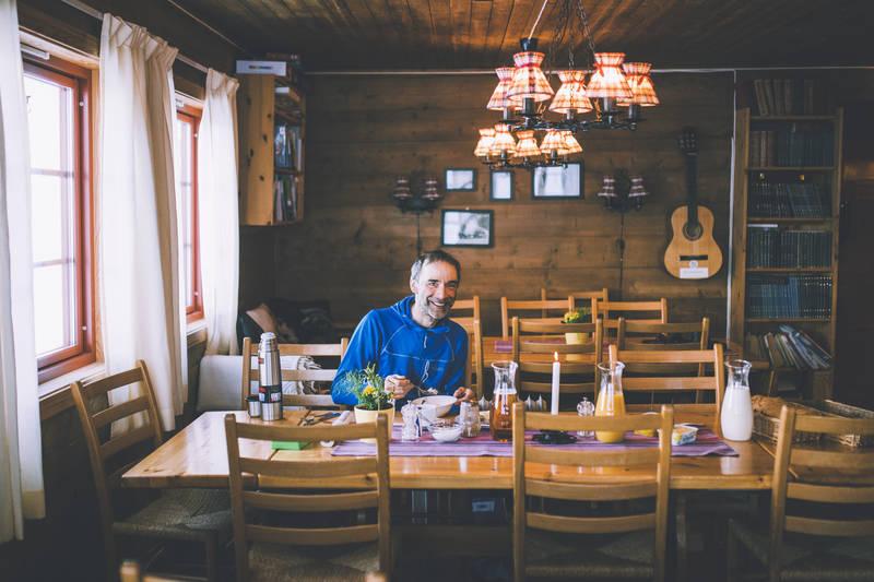 Hyggelig spisesal på Nørdstedalseter