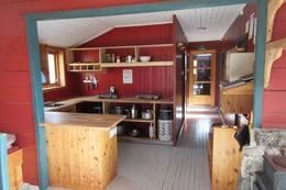 Kjøkkenet på hovedhytta - Foto: Lene Rønneberg
