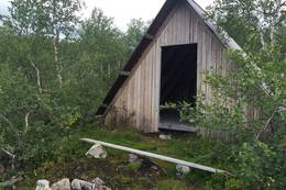 Gapahuk ved Arbuvatn -  Foto: Aud Irene Kittelsen