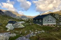 Longevasshytta etter utvidinga. - Foto: Atle Holsen, Indre Sunnfjord Turlag