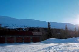 Fra Parkeringen v/Børgefjellskolen, med Golverfjellet i bakgrunn -  Foto: Geir-Olav Jensen