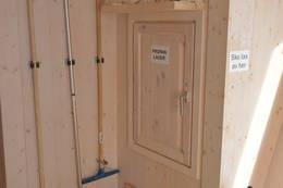 Propan lager og vaskeutstyr er lett tilgjengelig ved inngangsdøren - Foto: