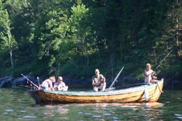 Etter toppturen kan man fiske på Dalsfjorden -  Foto: Ukjent
