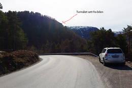 Utsikt fra bilen og til turmålet - Foto: Kjell Fredriksen