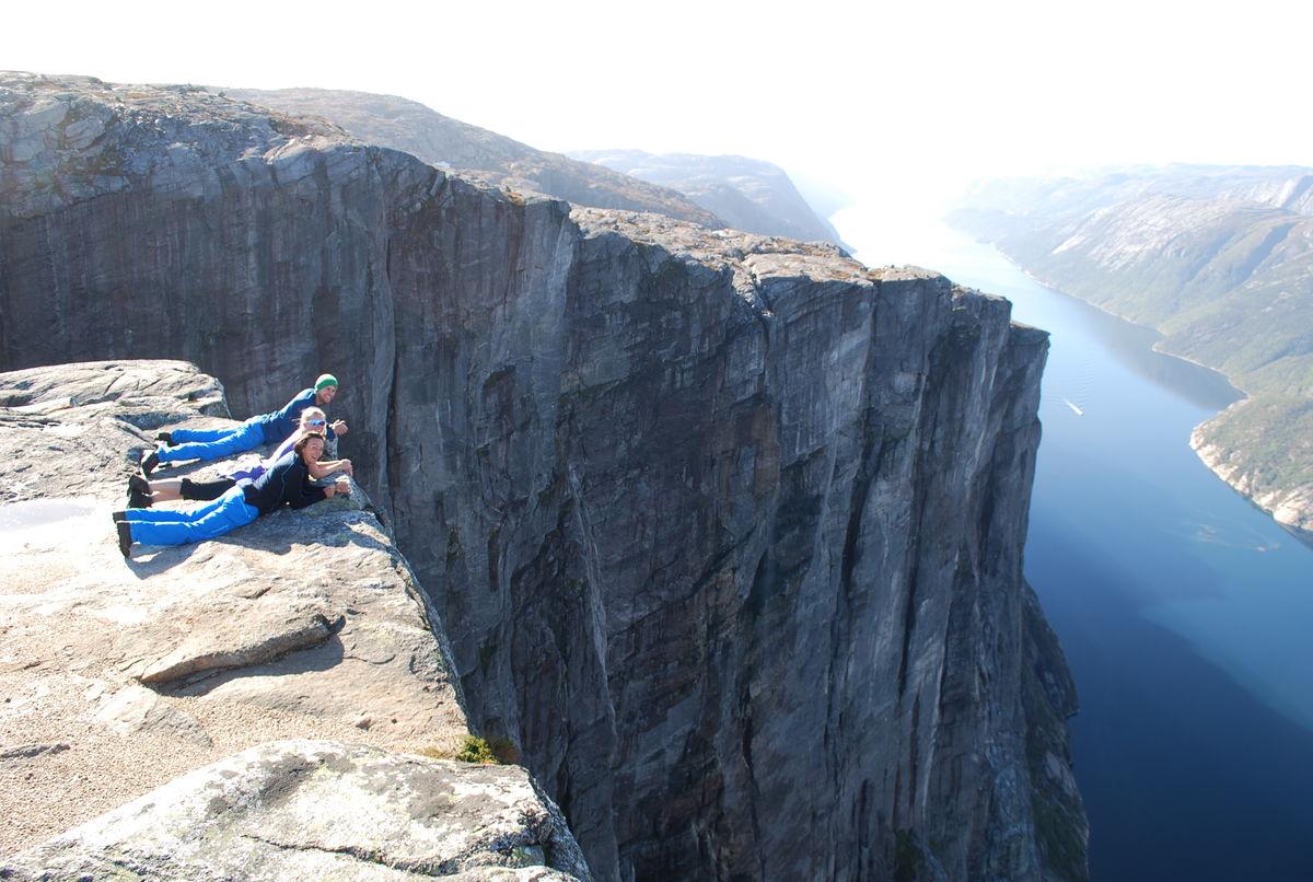 Kjerag, 1000 meter ned til fjorden