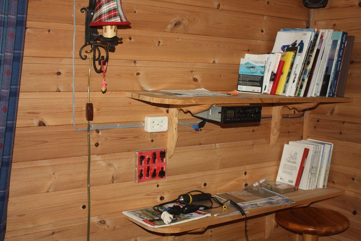 Radio, lader og varierte bøker