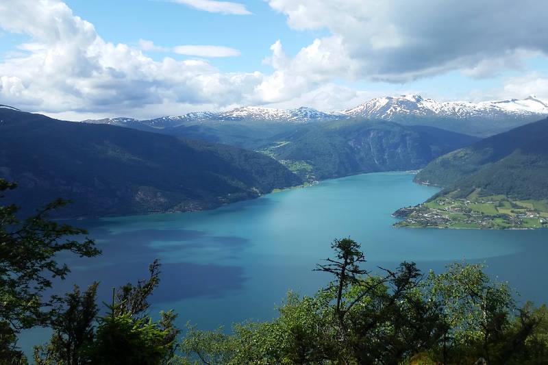 Utsikt mot Gaupne og Nes
