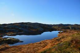 Det vesle vatnet ved toppen av Våbrekkefjell - Foto: Roald Årvik