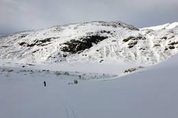 På vei opp fra hytten - Foto: Johnny Bjørge