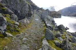 Stien inn til Viglesdalen er ein gammel drifte veg som ble bygget med tanke på at dden skulle gå helt over fjellet. - Foto: Per Henriksen