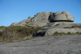 Godt skjult men med god utsikt fra toppen på Vedafjell. -  Foto: Anne Katrine Lycke