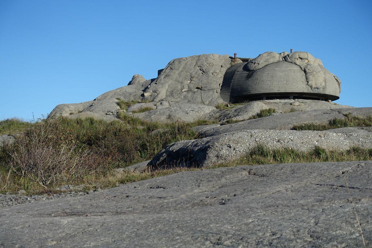 Godt skjult men med god utsikt fra toppen på Vedafjell.