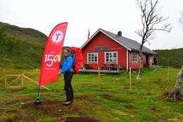 HURRA! Endelig er hytta åpen! - Foto: Trond Løkke