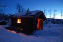 Kveldsstemning ved Klubbfjelltjørnhytta - Foto: Willum Aakvik