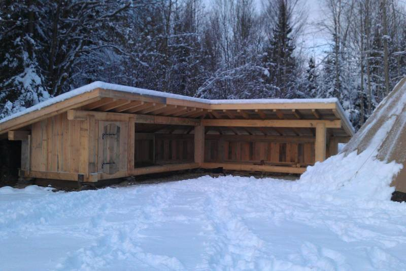 gapahuken i vinterskrud