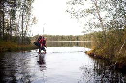 Vading over Rotna. - Foto: Sindre Thoresen Lønnes/Den Norske Turistforening