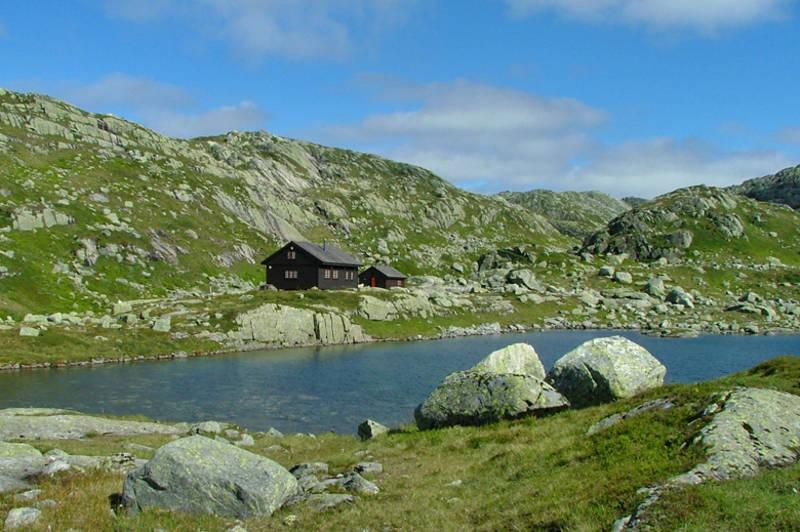 Vardadalsbu ligger i flott høyfjellsterreng