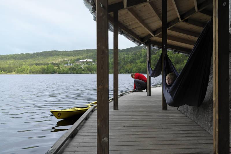 Vann Camp for grupper tilbys det tilrettelagt overnatting i vannkanten