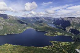 Utsikt mot Mørsvikbotn fra Lisjeidtinden -  Foto: Kjell Fredriksen