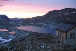 Solnedgang ved Danskehytta i august - Foto: Ålesund-Sunnmøre Turistforening