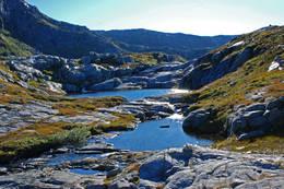 Fjellvassbu i Stølsheimen vest, 2,5 timer fra vei i Stordalen, Matre.  - Foto: Torill Refsdal Aase