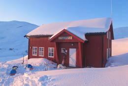 Ny-Sulitjelma fjellstue vinter 2012 - Foto: Happy Campers/glade-vandrarar.blogspot.no
