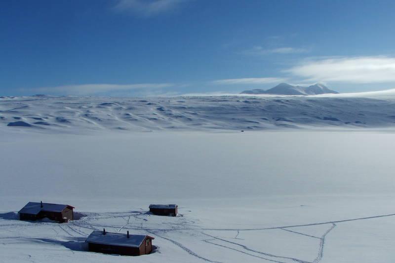 Utsikt mot nordover - skituren til togstasjonen på Røkland er en solid dagsmarsj den veien.