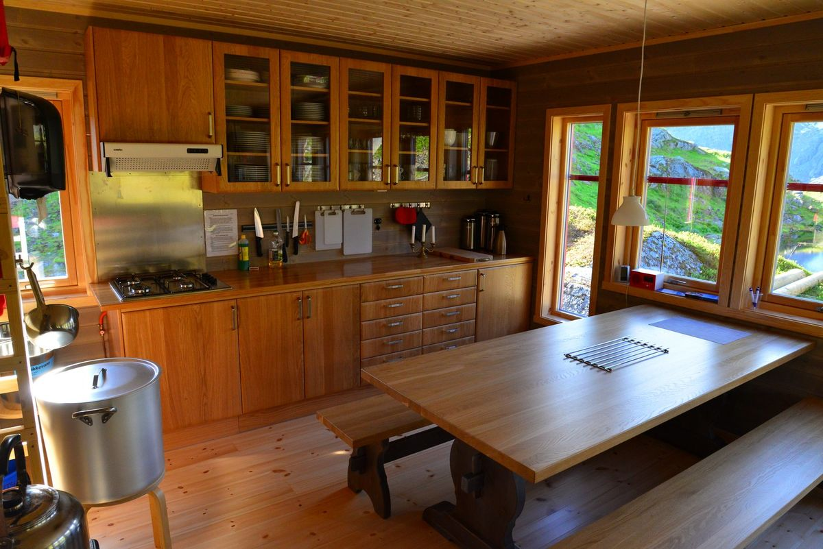 Kjøkkenet på Store Trollfjordhytta