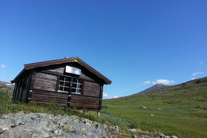 Sørvegg av hytta