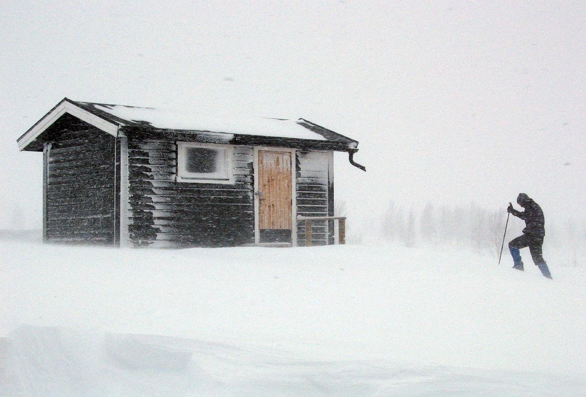 Doturen er en ekspedisjon i seg sjøl når været er ruskete.