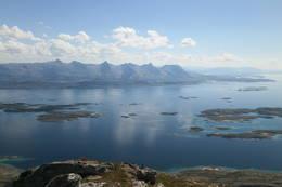 De Syv Søstre. Sett fra Dønnamannen.Sommerrute mai til oktober.26,9kmThe Seven Sisters.The view from Dønnamannen. - Foto: Kai G. Simonsen