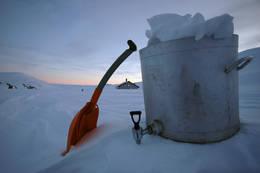 En solid vannkjele sikrer vanntilgangen på hytta.  - Foto: Rune Skogheim