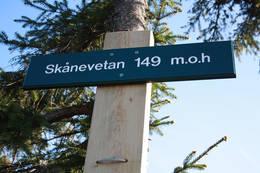 Skiltet viser at Skaanevetan er 149 m.o.h - Foto: Ukjent