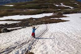 Snøflekker kan ligge ut i juni. Da kan en få god fart nedover! - Foto: Anne Sofie Bentzen