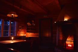 Hytta har en helt spesiell atmosfære - Foto: Didrik Hjertås