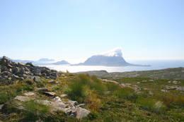 Frå Vemannsrøysa. Utsyn mot sørvest - Foto: Kjartan Godø