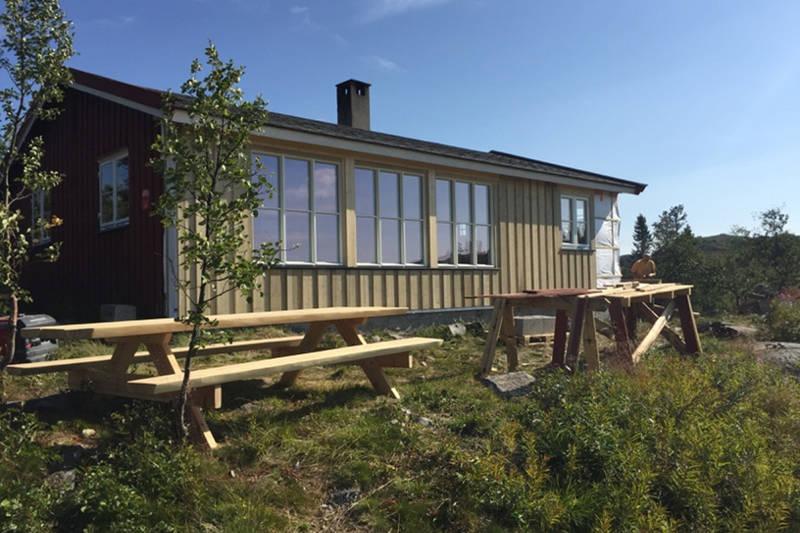 Det har i 2016 blitt utført oppgraderinger av hytta, blant annet er det blitt satt inn større vinduer