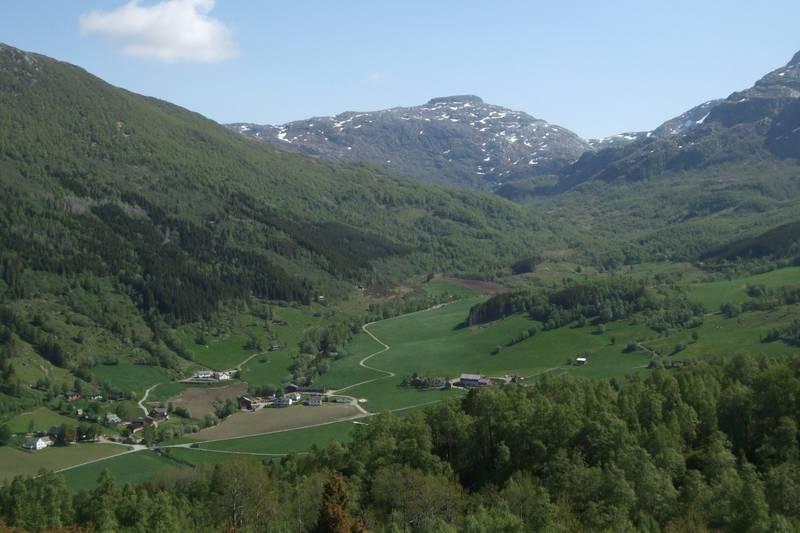 Gjetingshaugen, mot Krossdalen