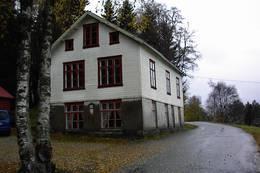 Gamle Eike skolehus fra 1892 -  Foto: Ukjent