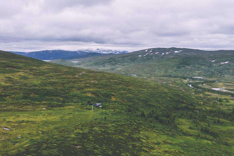 Prestøyhytta liggerrett innenfor grensa til Skarvan og Roltdalen nasjonalpark
