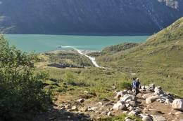 Memurubu 14. august 2010. Utsikt tilbake ned mot Memurubu på vei til Besseggen - Foto: Erik Eskedal