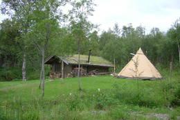 Denne hytta på Storeng fjellgård kan leies av vandrere -  Foto: Berit Irgens