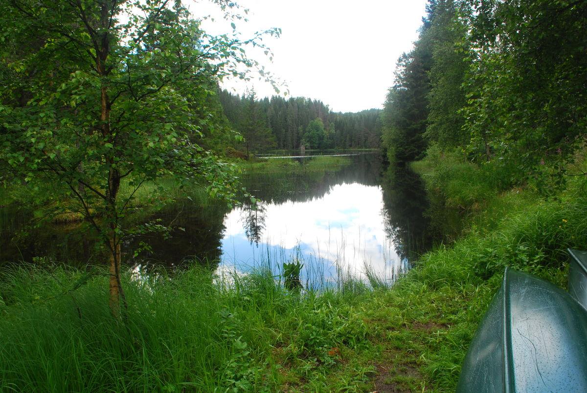 Fiskelaushytta ligger rett ved Fiskelausa.