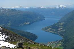 Sommerdis over Loen og Nordfjord.  - Foto: Torstein Tylden
