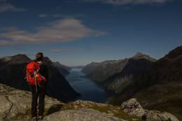 Utsikt fra Høghornet mot Hjørundfjorden -  Foto: Rune Simonsen Olsen