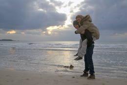 Kjærestetur på Solastranden - Foto: Marte Tovik
