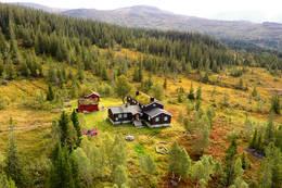 Schulzhytta ligger sentralt i Skarvan og Roltdalen nasjonalpark. - Foto: Jonny Remmereit