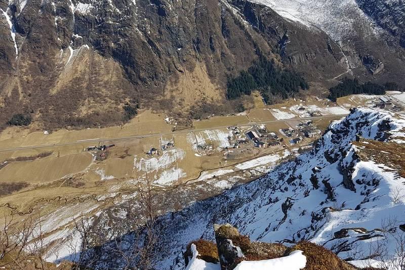 """Utsikt fra toppen og ned mot """"Dalen"""""""